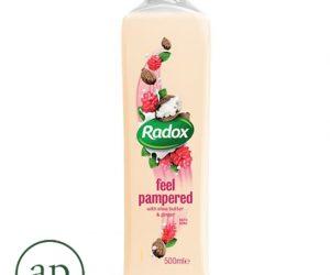 Radox Feel Pampered Bath Soak - 500Ml